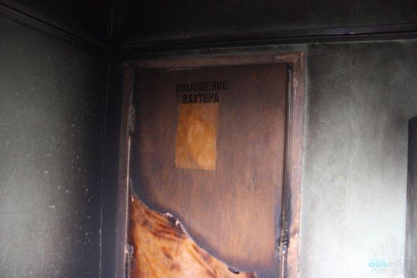 Пожар в подъезде дома