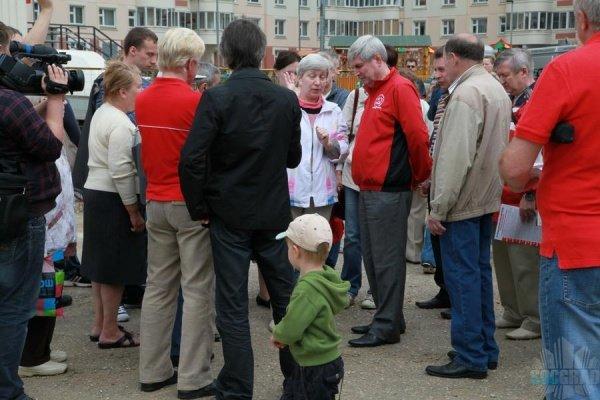 Мельников на встрече с жителями СВАО
