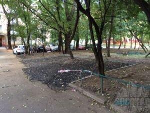 Парковочные карманы во дворе на Новоалексеевской ул. 3А-5А